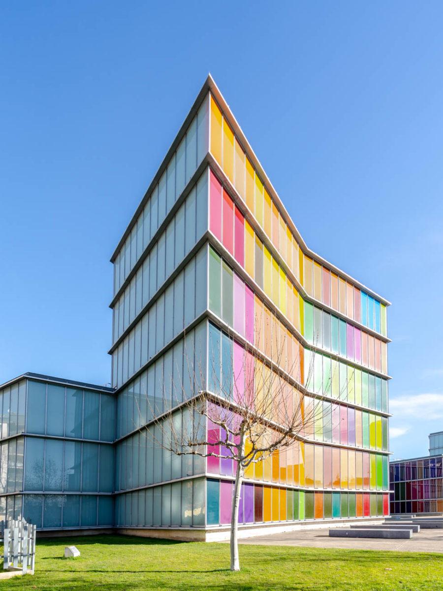 MUSAC, museo de arte contemporáneo de Castilla y León. Ubicación: León. Arquitectos: Mansilla + Tuñón