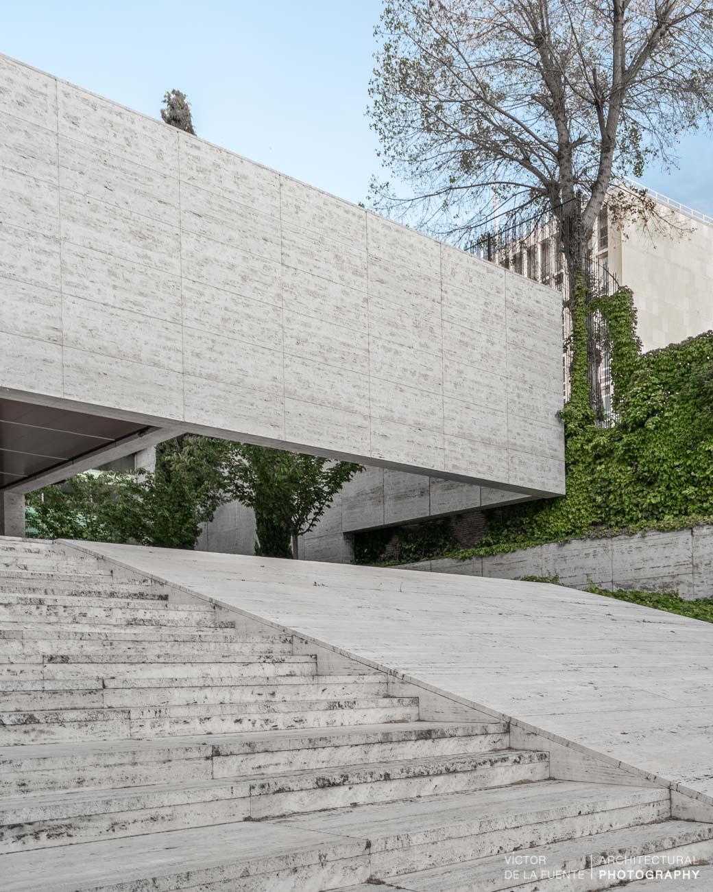 fotografia de arquitectura escaleras edificio de hormigon