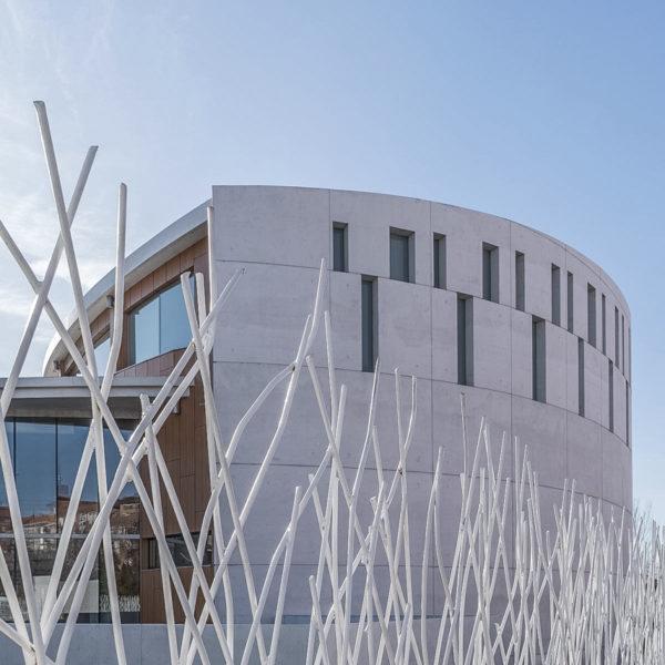 iglesia evangelica leon fotografia de arquitectura