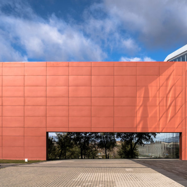 fachada color rojo