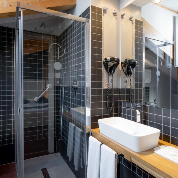 hotel el coloquio de los perros baño abuhardillado