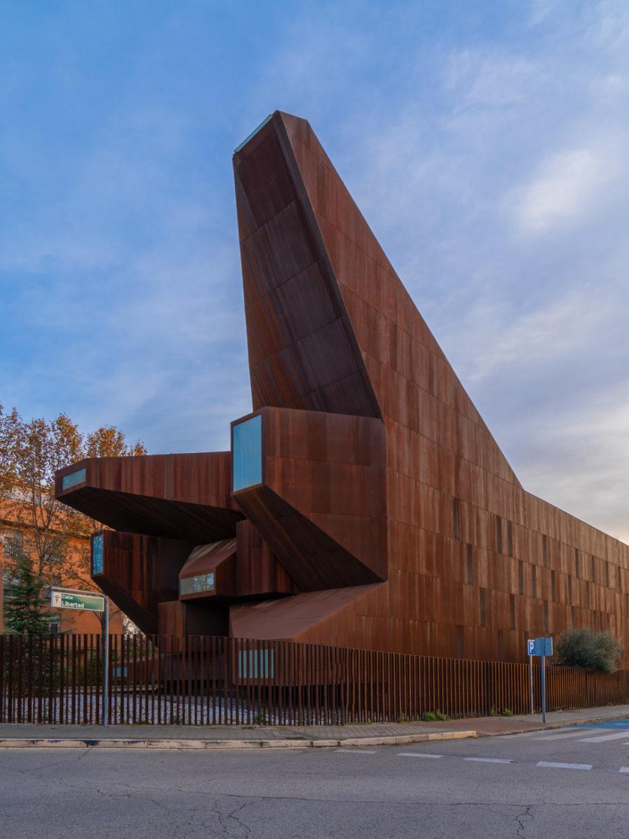iglesia de santa mónica fachada frontal vista lateral
