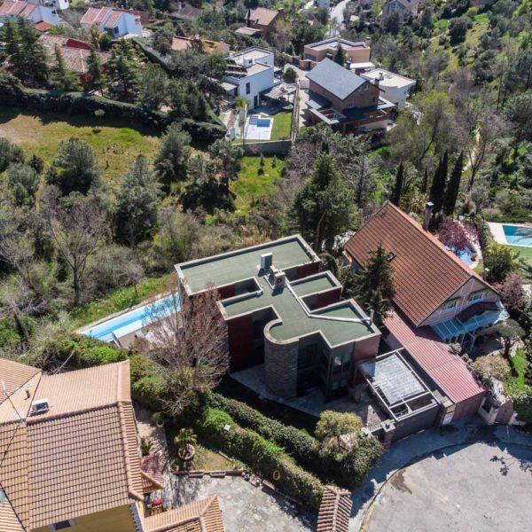 foto aérea trasera de la vivienda